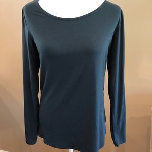 Athleta Green Long Sleeve Top with Knot and key Hole Cut Out in the Back, Size M